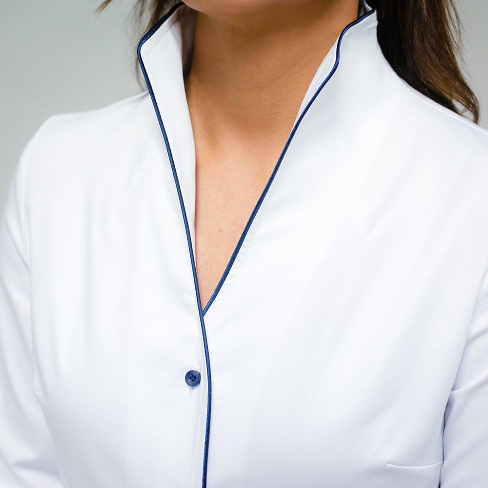 Women's shirt in white with decorative trim 10339