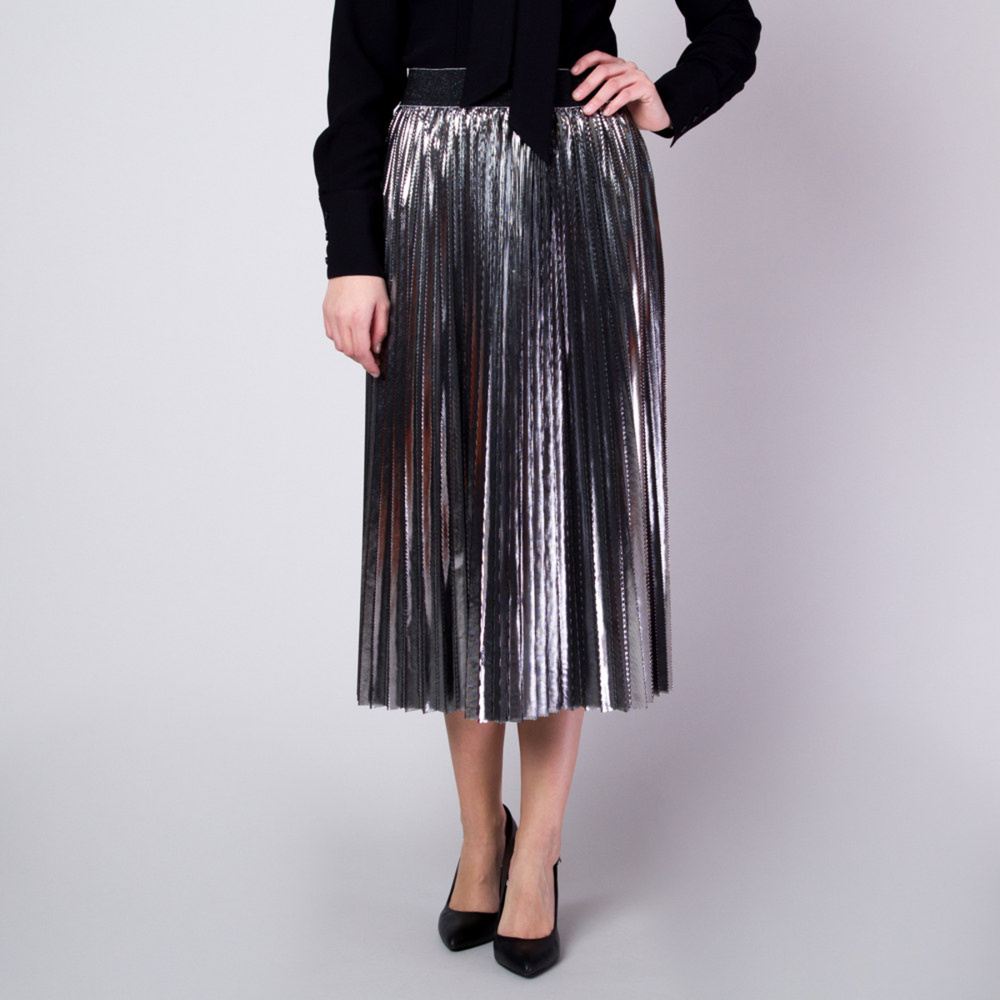 Pleated skirt in silver color with glossy finish 11363