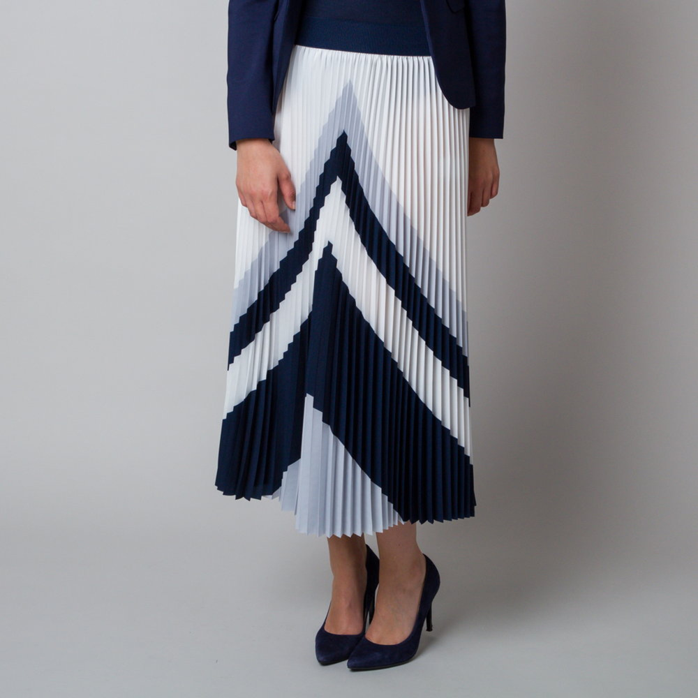 Pleated midi skirt with grey and black pattern 11928