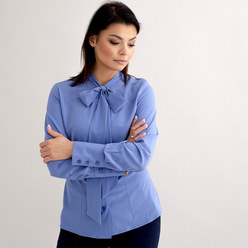 Women's shirt in light blue with tied collar 10540