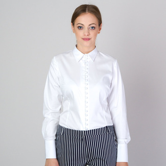 Women's shirt in white with stylish buttons 11700