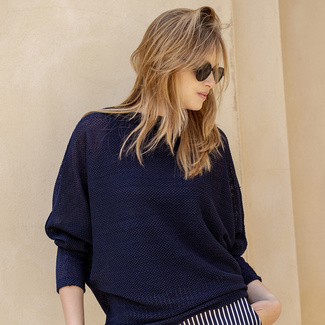 Women's sweater in oversize cut in dark blue 12051, Willsoor